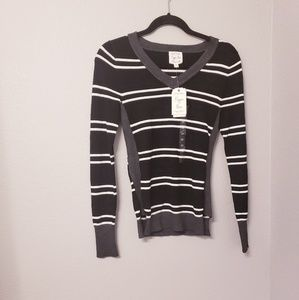Hippie rose black and white striped thin sweater